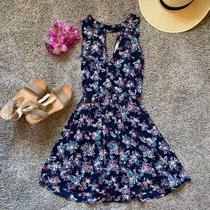🌺💙 Lush Floral Dress
